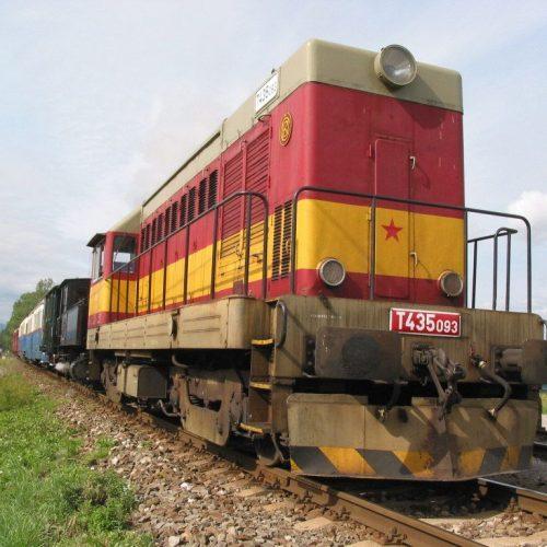 Motorový rušeň T 435.093