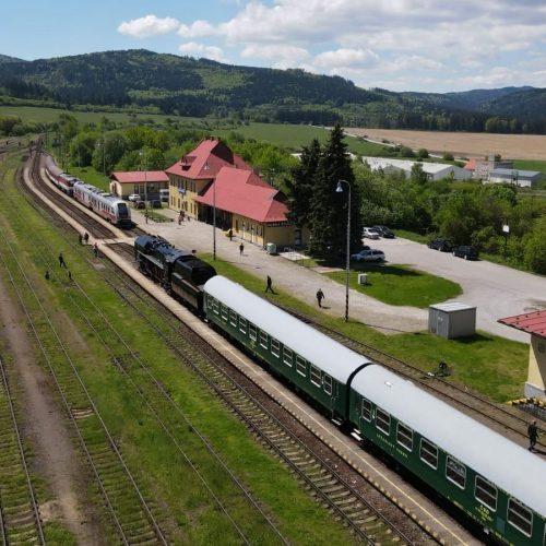 Zvláštny vlak po príjazde do Hornej Štubne. Foto: Michal Feik