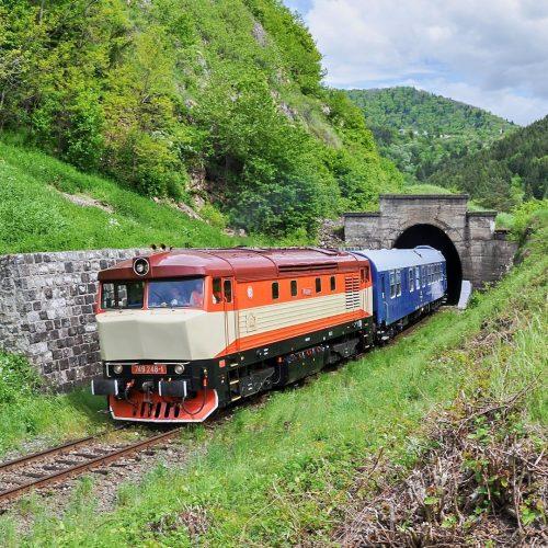 Požiarny vlak (Sv 31910) na spiatočnej ceste do Vrútok. Foto: Ján Hrenovčík