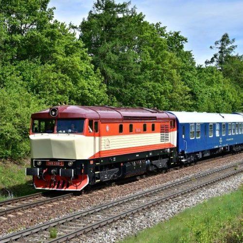 Požiarny vlak Sv 31910 pri Hornej Štubni. Foto: Marián Končelík