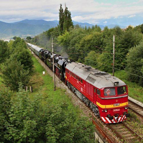Súprava historických vozidiel na ceste do Zvolena v Martine