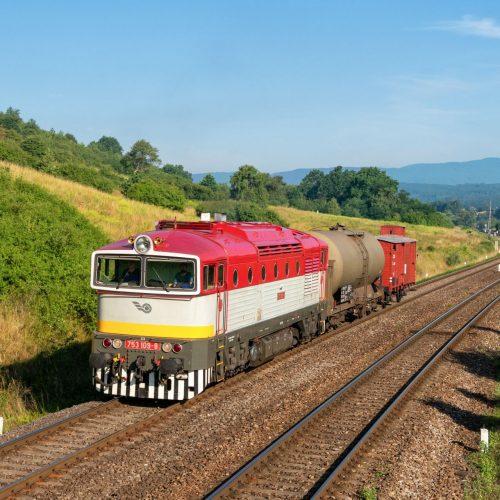 Požiarny vlak 31907 s rušňom 753.109 v Slatinke