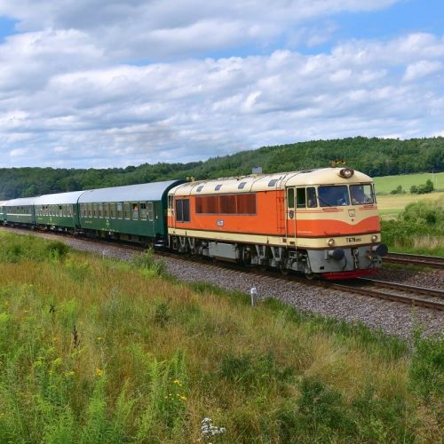 Osobitný vlak 31265 s T 678.012, Slatinka